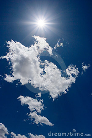 Free Summer Sun Shining Behind Clouds Royalty Free Stock Images - 5560129