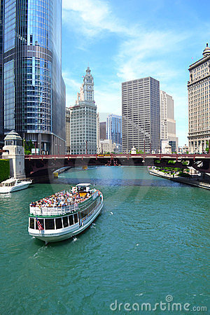 Summertime on the Chicago River Editorial Stock Image