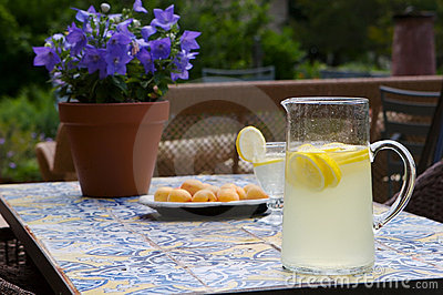 Summertime lemonade