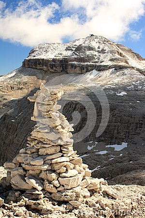 The summit of Piz Boa with a cairn
