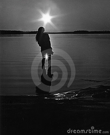 Between Sun - Black and white Retro picture