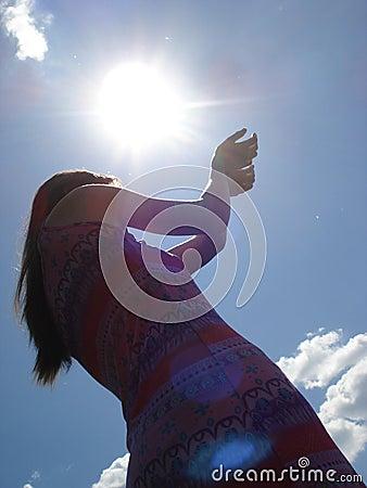Sun nei heands