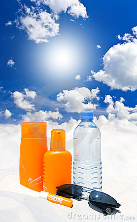Free Sun Protection Cream, Water And Sunglasses Stock Image - 20303031
