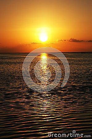 Free Sun Set 3 Royalty Free Stock Image - 3759426