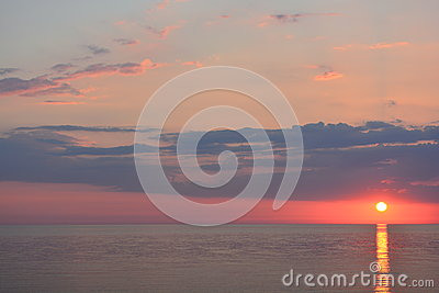 Sun set over the ocean