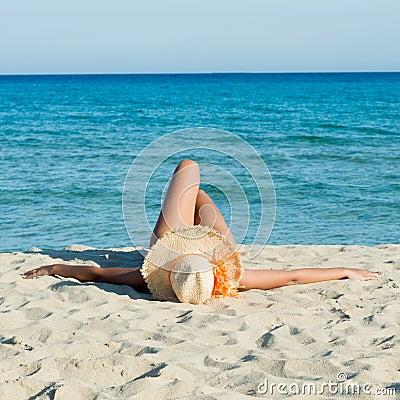 Free Sunbath At Beach Royalty Free Stock Image - 28658336