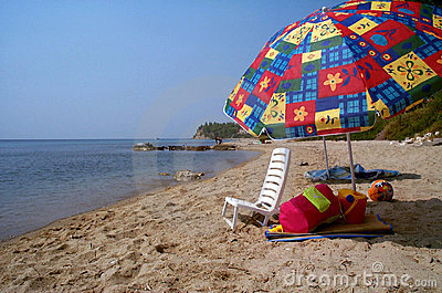 Sunbathing chair and the lost summer