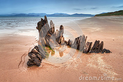 Sunbeam ship wreck on the Rossbeigh beach