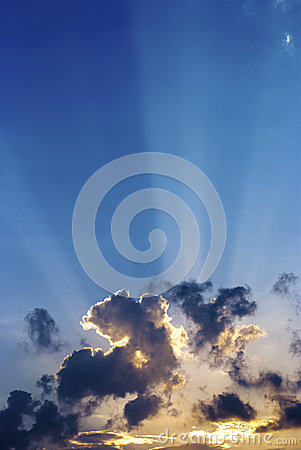 Free Sunbeams Stock Photography - 28106102