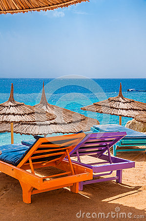 Free Sunbeds In A Shadow Stock Images - 52153904