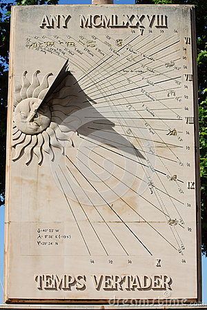 Free Sundial Royalty Free Stock Images - 25782719