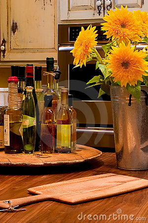 Free Sunflower Kitchen Royalty Free Stock Photos - 201338