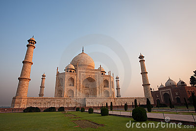 Sunrise at Empty Taj Mahal and Jawab