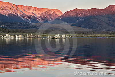 Sunrise at Mono Lake in the crater