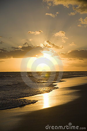 Free Sunrise On Beach Stock Photos - 8318513