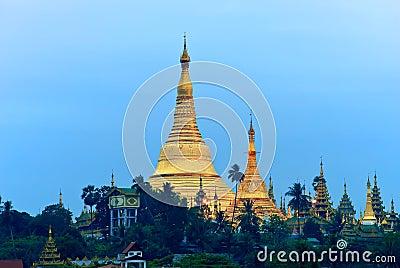 Sunrise over the Shwedagon