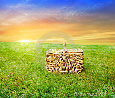 Sunrise picnic basket