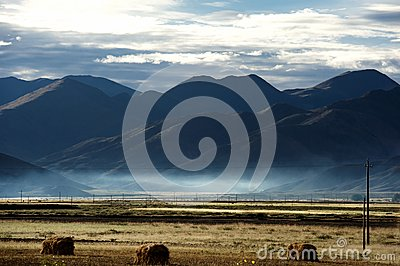 Sunrise in Qinghai-Tibet Plateau