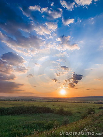 Free Sunset And Meadow Royalty Free Stock Photo - 13644645