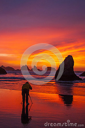 Free Sunset At The Rock Stock Images - 65730614