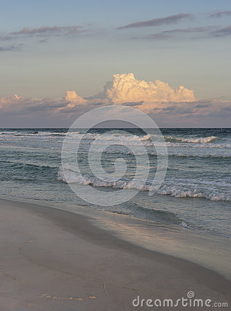 Free Sunset Evening Or Rosy Dawn At Beautiful Florida Beach Royalty Free Stock Photography - 90055817