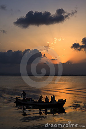 Free Sunset In The Lake Of Valencia Stock Photos - 6168173