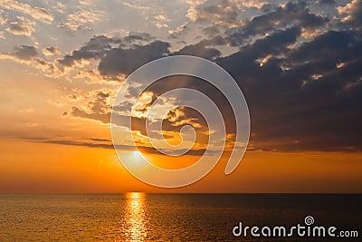 Sunset_Lake_Erie