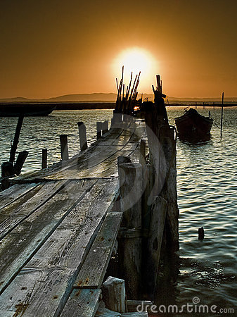 Free Sunset On The Pier Stock Photography - 13380342