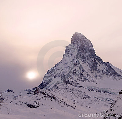 Free Sunset Over Matterhorn Royalty Free Stock Images - 8770259