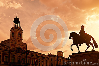 Sunset in Puerta del Sol, Madrid