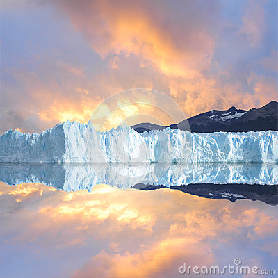 Free Sunset Sky Above The Glacier. Stock Image - 35338591