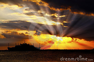 Sunset sun bursts