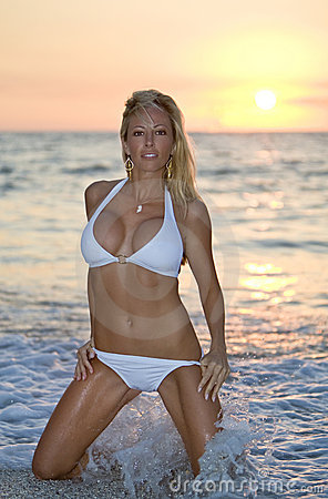 Free Sunset Surf Stock Photos - 5611713