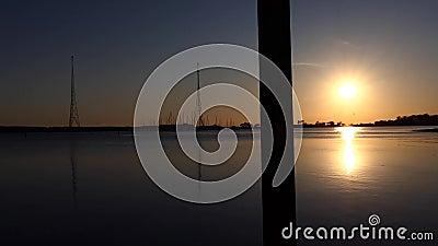 Sunset Waterfront-weergaven Kalundborg, Denemarken stock video