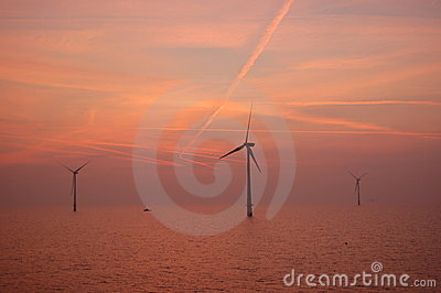 Sunset at Wind park Kentish Flats