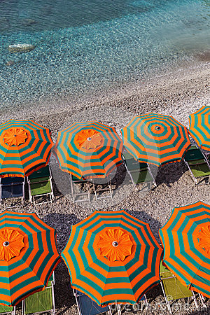 Free Sunshades At The Beach Of Monterosso, Cinque Terre, Italy Stock Photography - 74514852