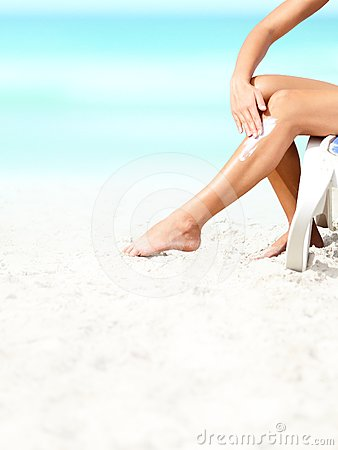 Suntan lotion / sunscreen