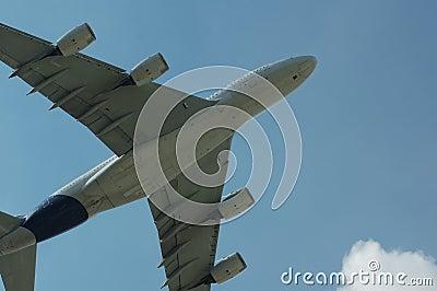 Super Airbus A380