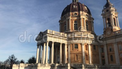 005/12/19 - Superga, Torino, Italia - La maravillosa Basílica de Superga cerca de Turín en el norte de Italia almacen de metraje de vídeo