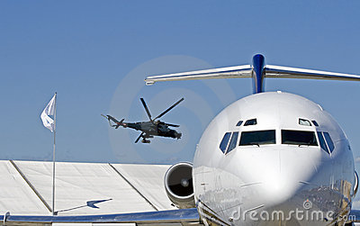 Superhind and a jet airliner