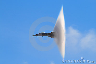 Supersonic Vapor Cone (F-18 Super Hornet)