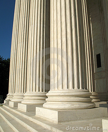 Free Supreme Court Pillars Royalty Free Stock Image - 3098336