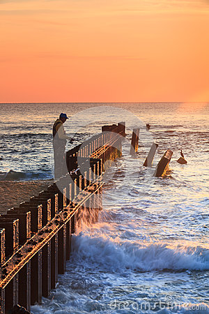 Surf fishing on the outer banks of north carolina for Outer banks surf fishing