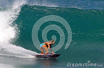 Surfer Cecilia Enriquez Surfing in Hawaii Editorial Stock Image