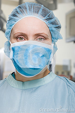 Free Surgeon In Operating Theatre Royalty Free Stock Photos - 36095578