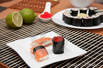 Sushi and gunkan on the plate