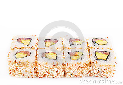 Sushi roll with tune and avocado