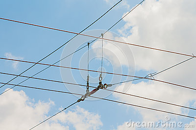 Suspension of electric cables under tension