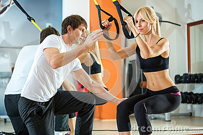 Suspension training with fitness straps