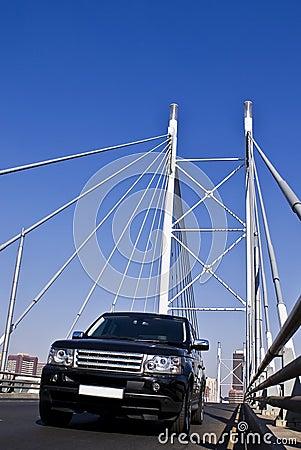 Free SUV On Nelson Mandela Bridge Royalty Free Stock Images - 10325109